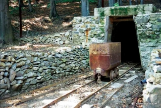 Opal_Mines_in _Dubnik_near Presov_